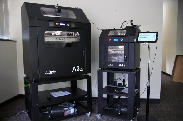 The A2 and A4 3D printers from 3ntr and Plural AM. (Image courtesy of Plural AM.)